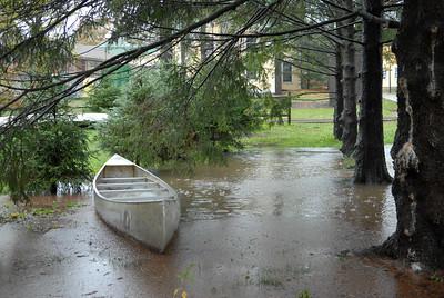 Glen House & Canoe