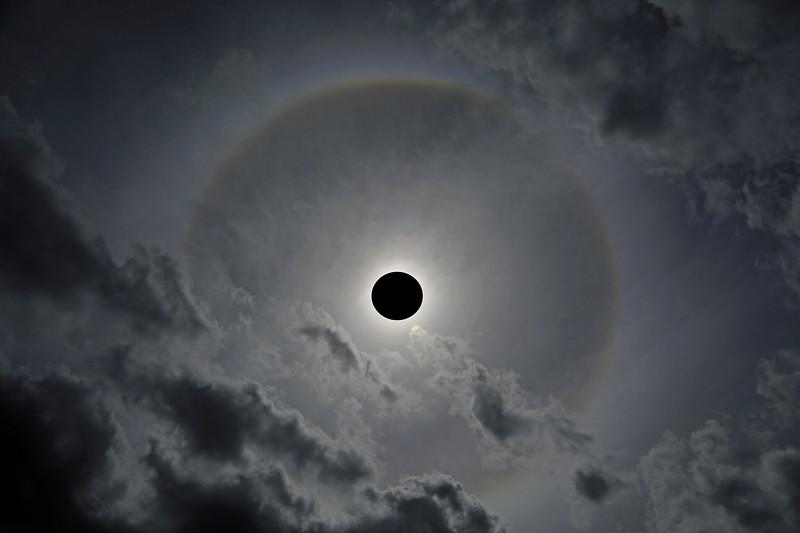Solar_Halo_01_BlackDot_02.jpg