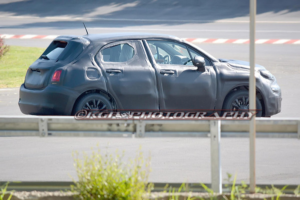 Fiat 500X Prototype Caught Testing in Italy