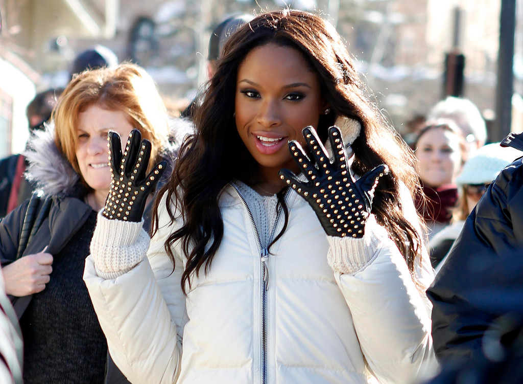 . Recording artist and actress Jennifer Hudson makes her way along Main Street during the Sundance Film Festival in Park City, Utah, January 18, 2013.  REUTERS/Jim Urquhart