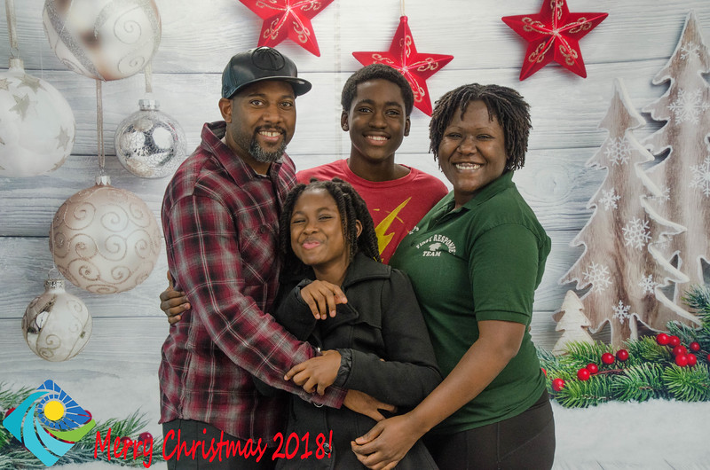 Christmas Photobooth 2018 Sunday-122.jpg