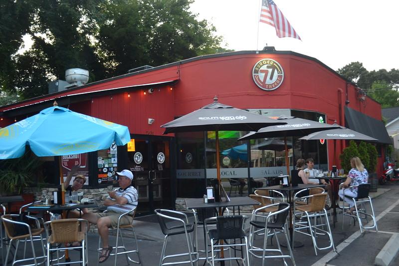 037-burger-tavern-77_14591097822_o.jpg