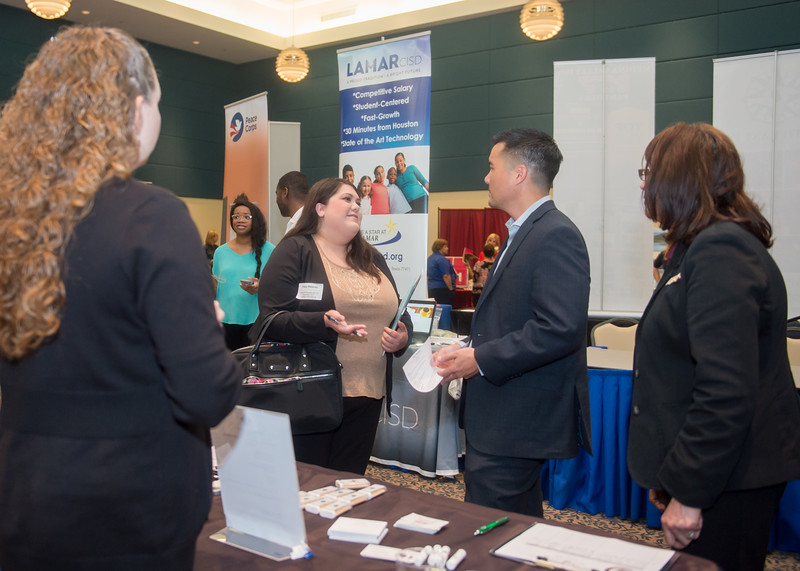 2018_0411_EducationCareerFair_LW-2916.jpg