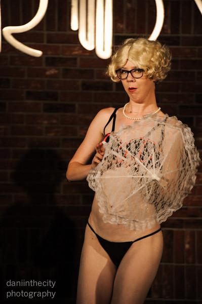 Burlesque (78 of 88).jpg