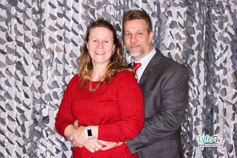 red-hawk-2017-holiday-party-beltsville-maryland-sheraton-photo-booth-0302.jpg