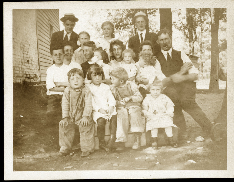 Miller Family about 1910.jpg