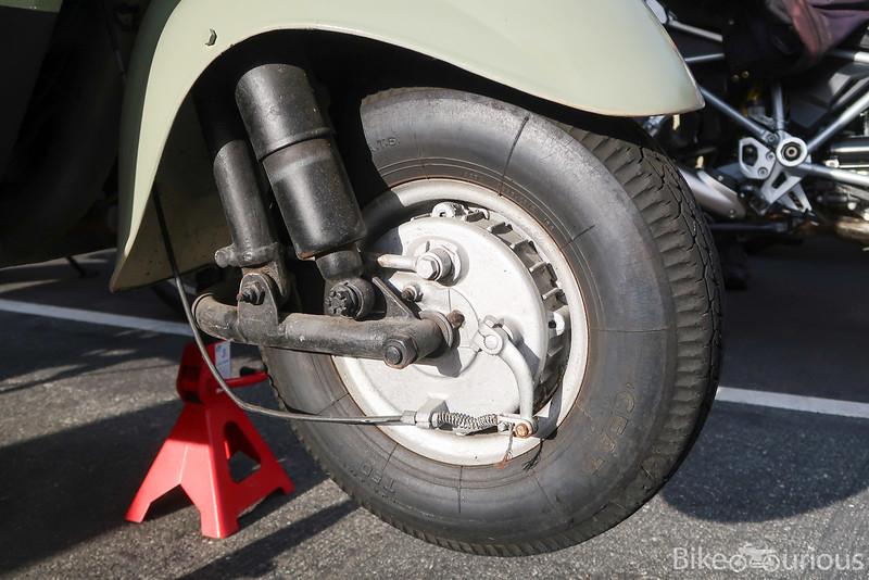 MV Agusta Trasporto Tevere - Front Wheel.jpg