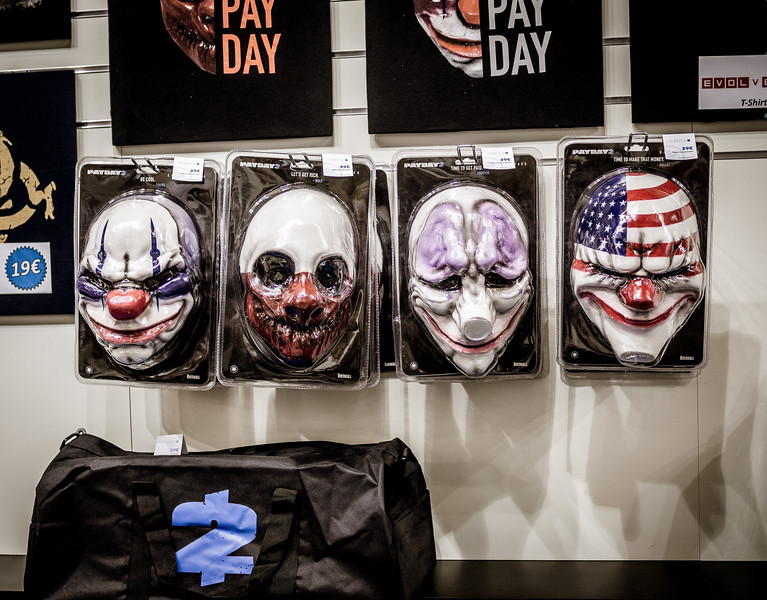 Payday 2 masks at Gamescom 2015