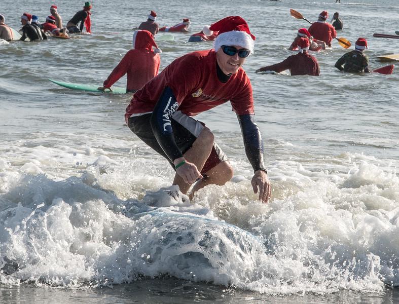 2017 Surfing Santas (8 of 21).jpg
