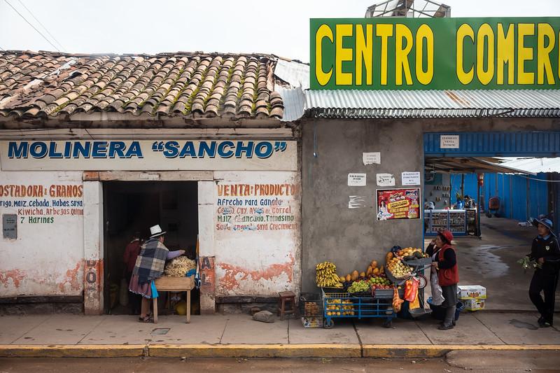 Anta fruit vendors.jpg