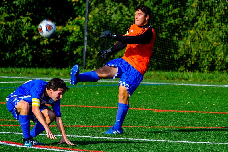TCS Varsity Soccer 2019-1482.jpg