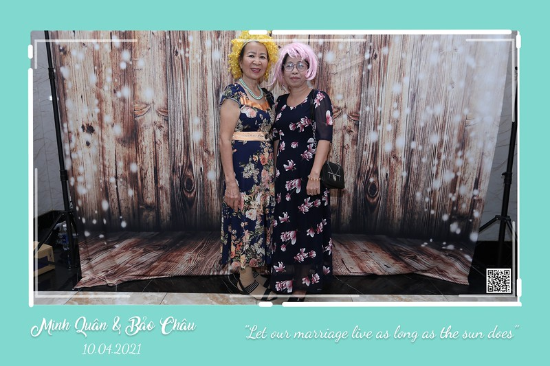 QC-wedding-instant-print-photobooth-Chup-hinh-lay-lien-in-anh-lay-ngay-Tiec-cuoi-WefieBox-Photobooth-Vietnam-cho-thue-photo-booth-070.jpg