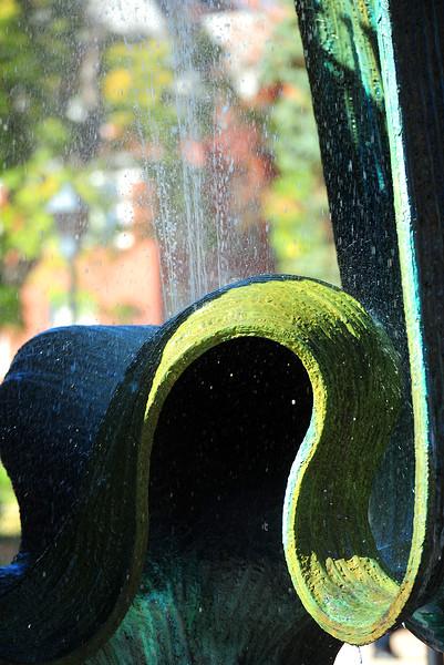 memorial fountain2381.jpg