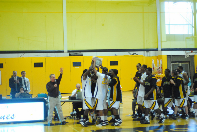 20090301_MCC Basketball_5732.JPG