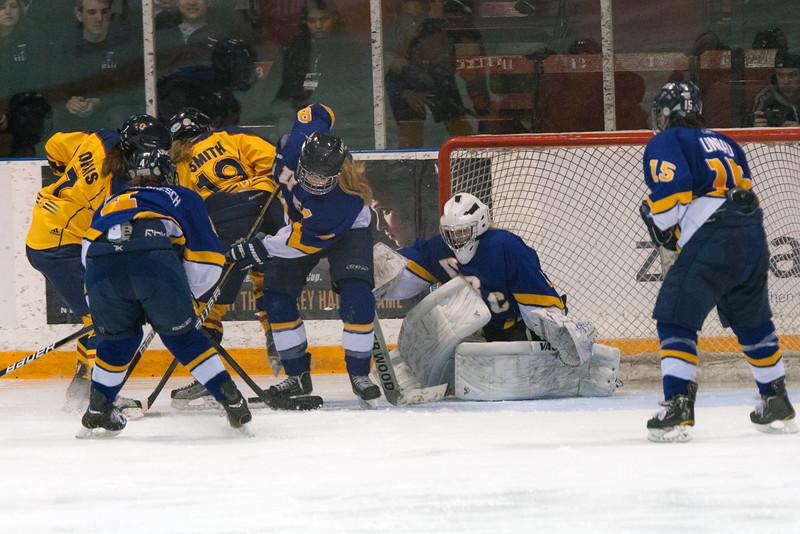 20130310 QWHockeyvsUBC 591.jpg