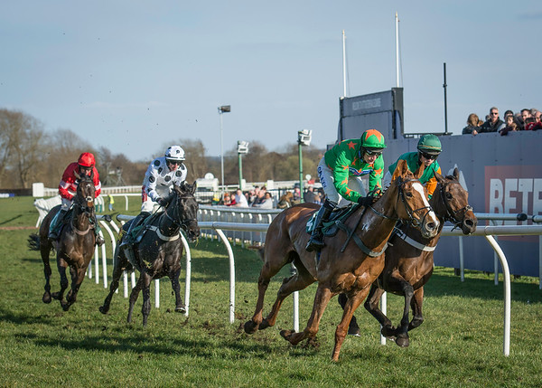 Uttoxeter Races - Sat 02 April 2016