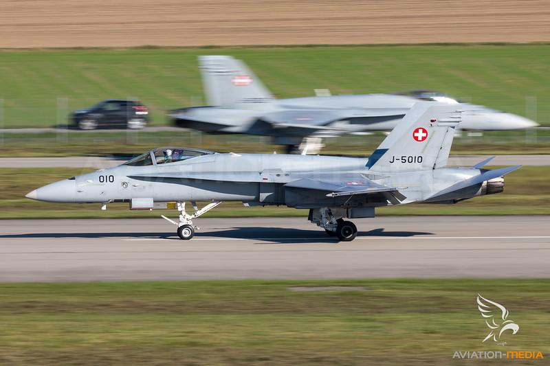 Switzerland - Air Force | McDonnell Douglas F/A-18C Hornet | J-5010