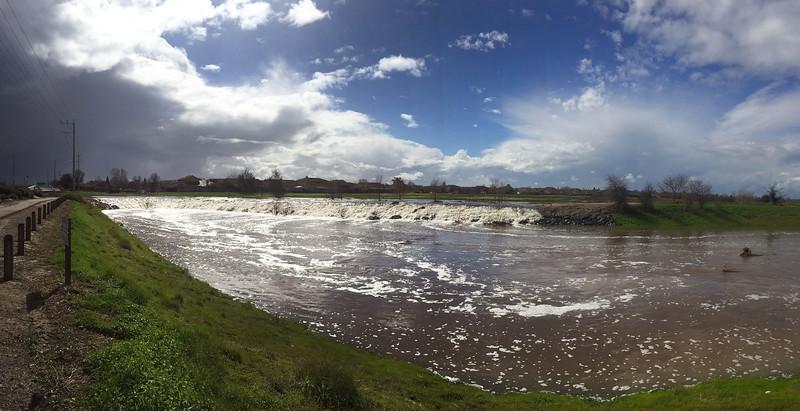laguna falls pano.jpg