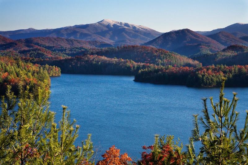 Lake Santeetlah_6453.jpg