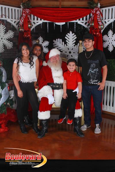 Santa 12-17-16-36.jpg