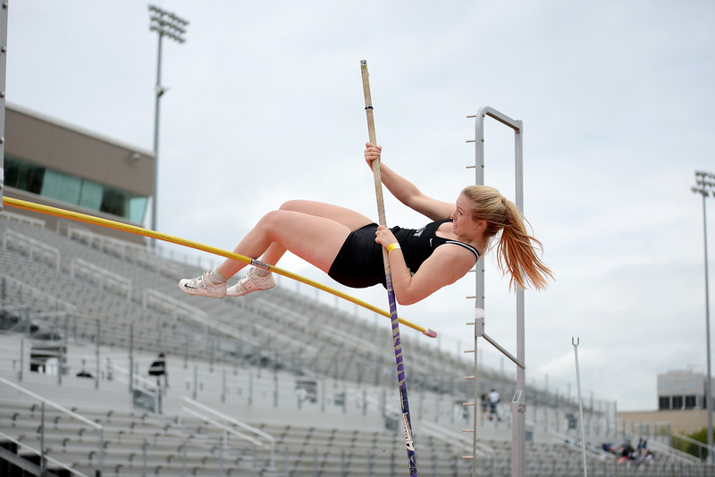 HS-Track-13-6A-District-Championships_006.jpg