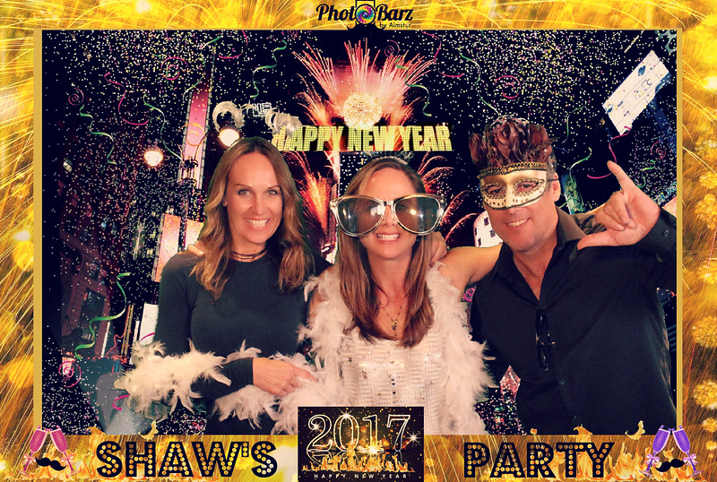 Shaws NYDay Party (36).jpg