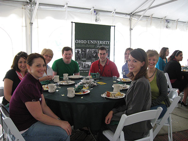 Breakfast-with-the-Alumni-Association-and-members-of-SAB.jpg