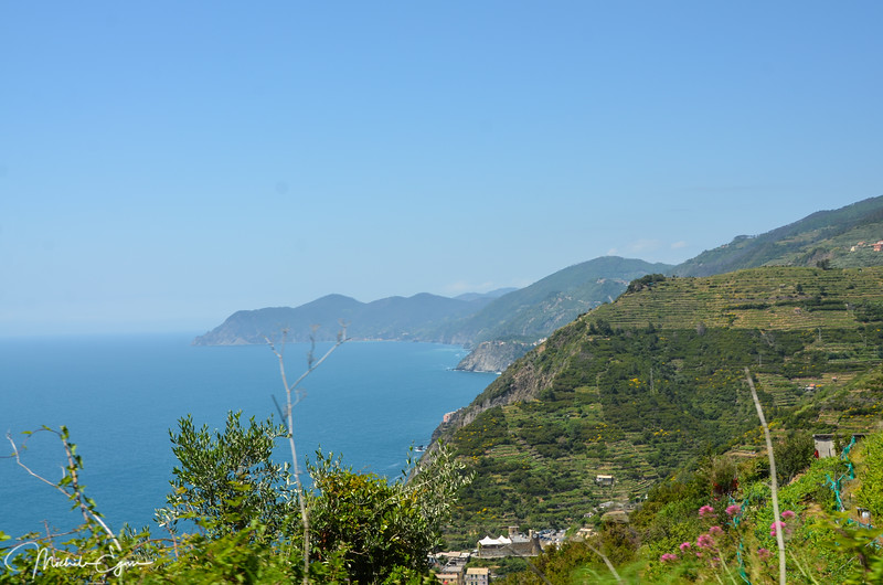 Coming on to Cinque Terre.  This is the closest the Italian coast has come to looking like it's French equivalent along the Riviera.