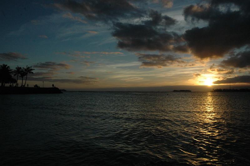 Hawaii - Ala Moana Beach Sunset-43.JPG