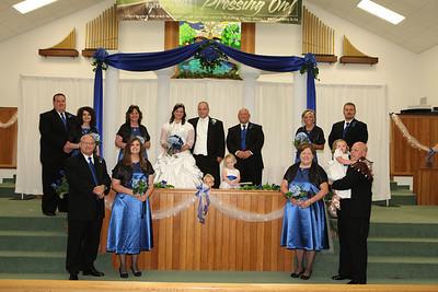 Bride-and-Groom-wedding-party