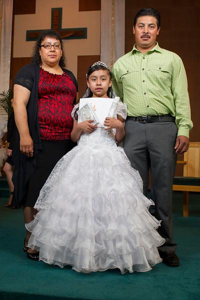 Communion Hispanic-9200-30 4X6 - 2.JPG