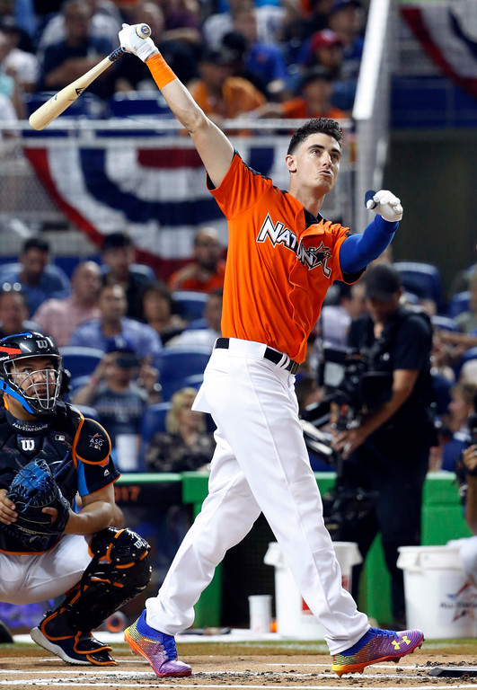 . Los Angeles Dodgers\' Cody Bellinger competes during the MLB baseball All-Star Home Run Derby, Monday, July 10, 2017, in Miami. (AP Photo/Wilfredo Lee)