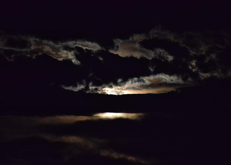 NEA_2727-7x5-Moon set.jpg