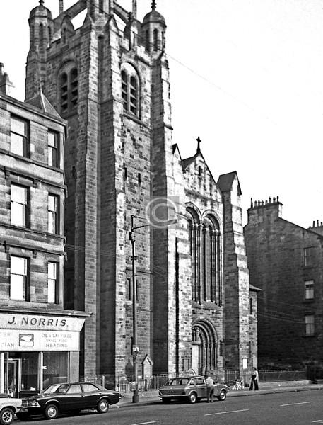 Pollokshaws Rd, Strathbungo Church.   July 1975