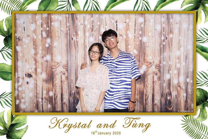 Krystal-Tung-wedding-instant-print-photo-booth-in-Ho-Chi-Minh-City-Chup-hinh-lay-lien-Tiec-cuoi-WefieBox-Photobooth-Vietnam-012.jpg