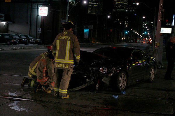 December 14, 2007 - MVC Rollover - Richmond St E / Parliament St