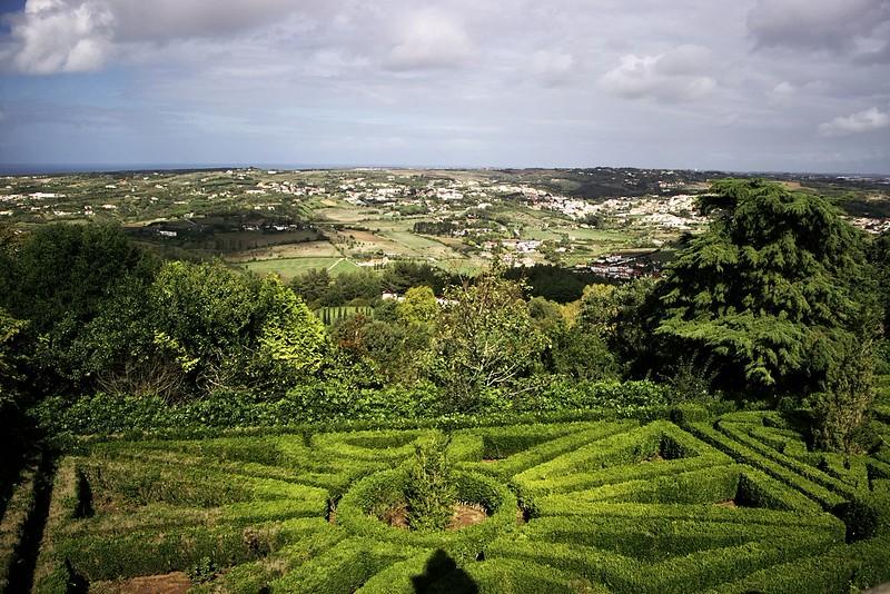 Z vyhlídky u Tivoli Palacio de Seteais v Sintře - severozápadní pobřeží