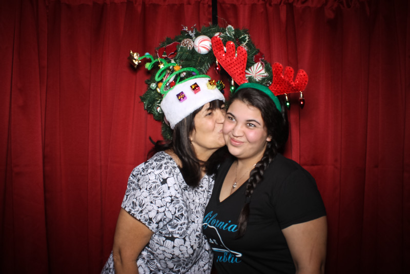 GSLS Christmas Boutique 2015-8.jpg