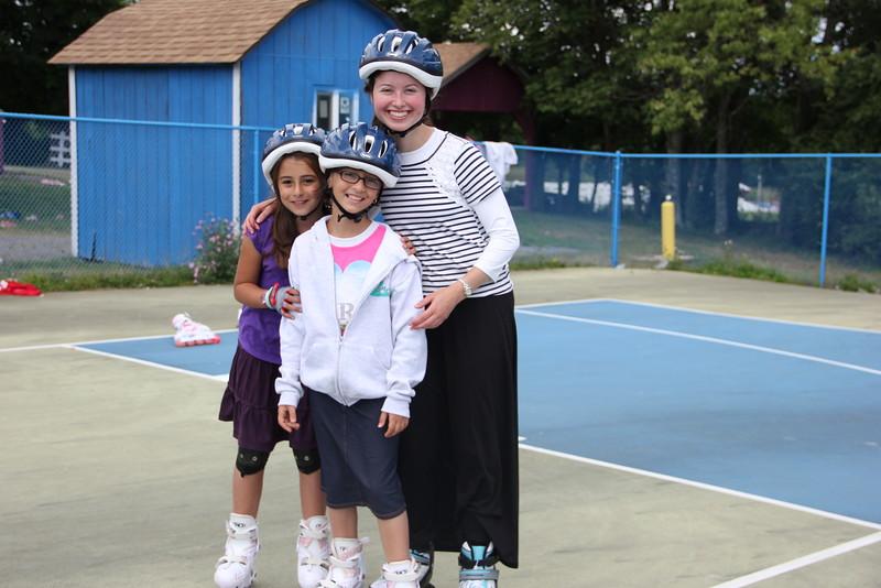 kars4kids_thezone_camp_girlsDivsion_activities_Rollerblading (3).JPG