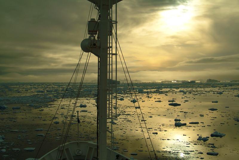 shipbergs3208.jpg
