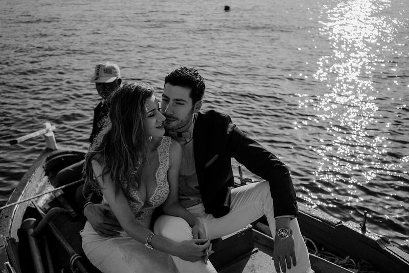 Tu-Nguyen-Wedding-Photography-Videography-Hochzeitsfotograaf-Engagement-Santorini-Oia-Greece-Thira-54.jpg