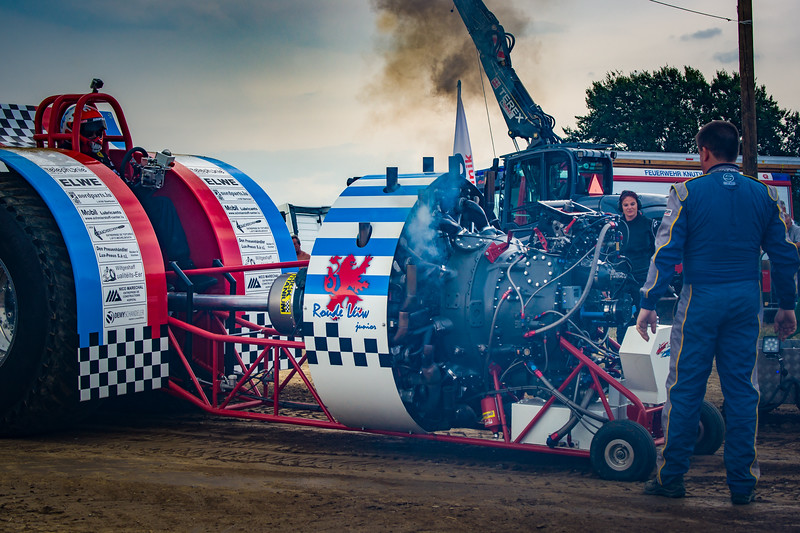 Tractor Pulling 2015-02411.jpg