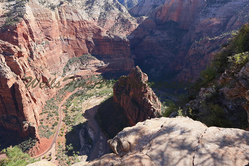 Looking down on red fin from Angel's Landing 2.jpg