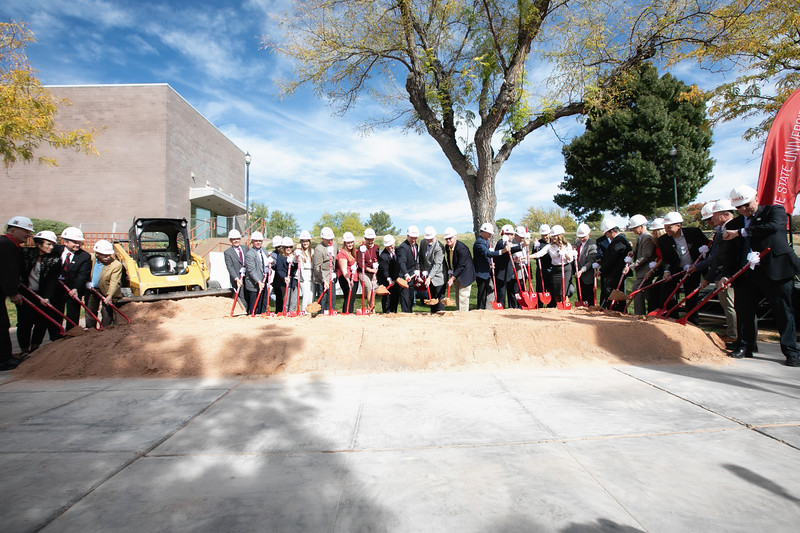 SCIENCE BUILDING GROUND BREAKING 2019-8919-Edit.jpg
