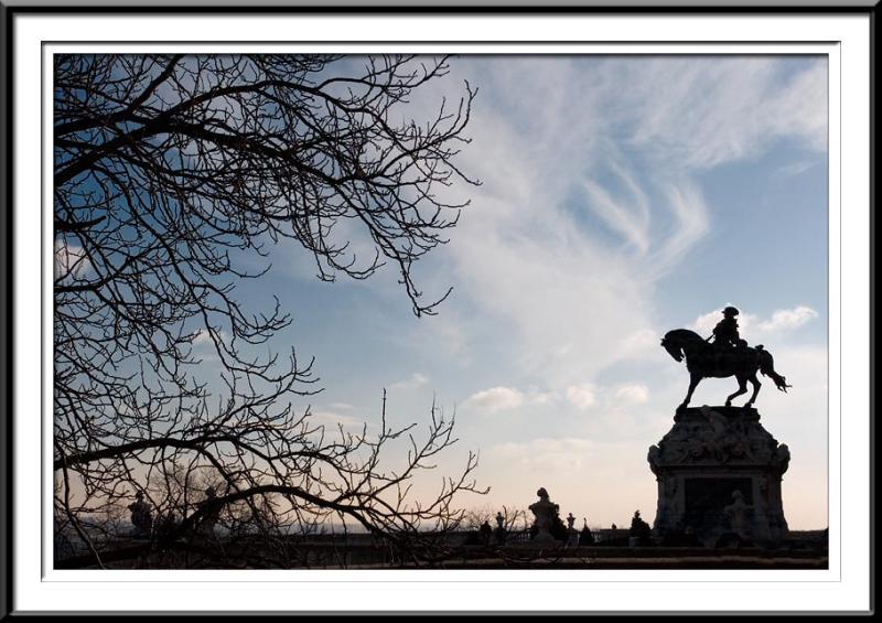 palace-statue (56495795).jpg