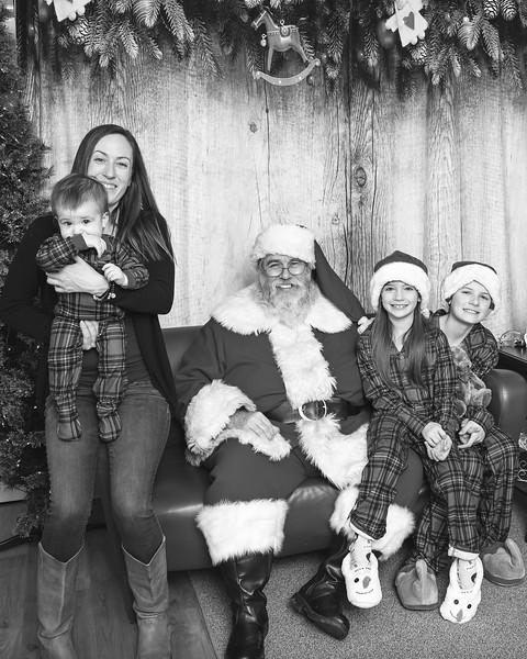Ameriprise-Santa-Visit-181202-4940-BW.jpg