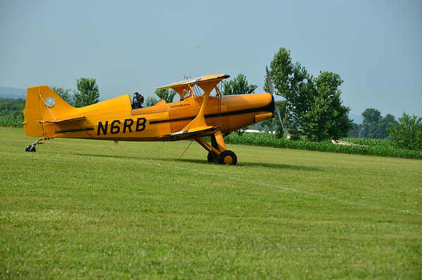 Flying Circus Bethel ' Pa . World War 1  and 2 Vintage Airplanes