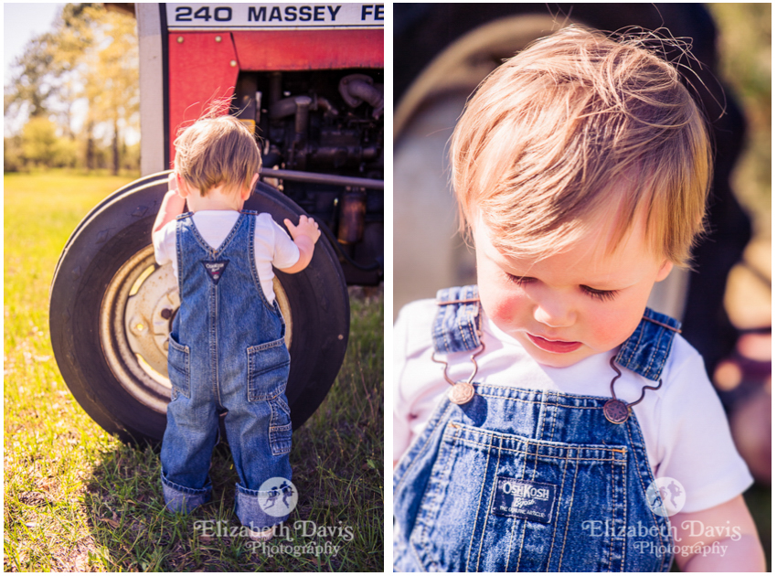 candid toddler and family photos | backyard toddler photo session with little boy in denim overalls with red tractor | Tallahassee | Elizabeth Davis Photography