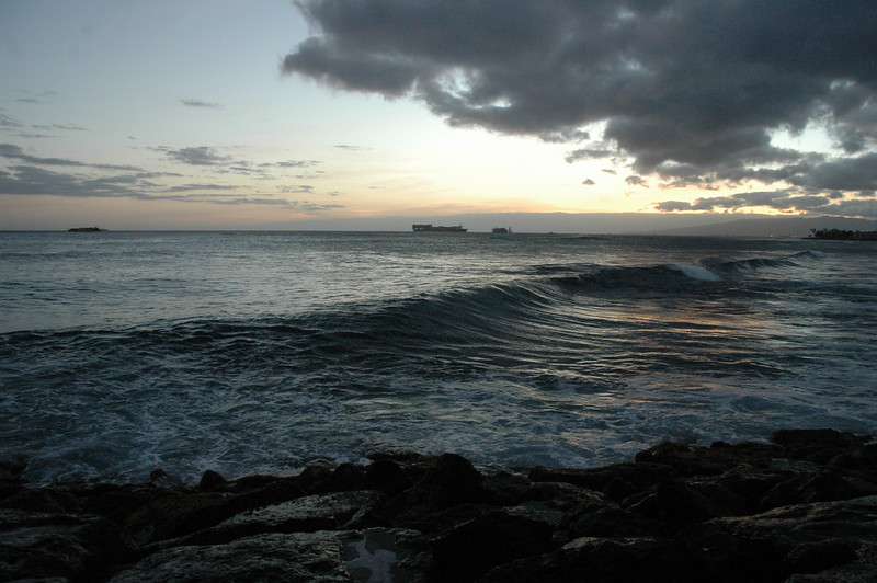 Hawaii - Ala Moana Beach Sunset-154.JPG