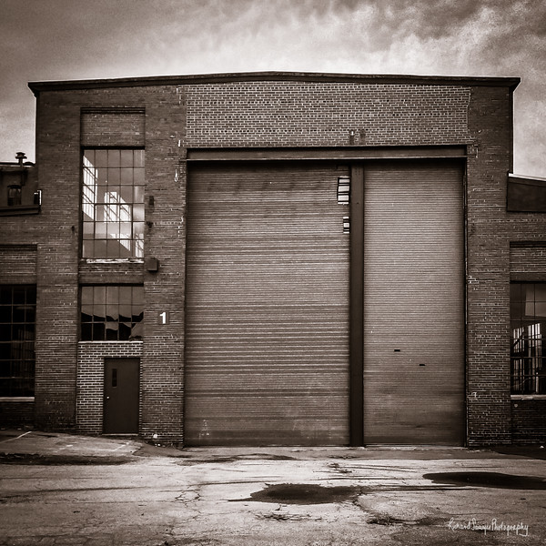 Dick Sawyer_Building 1 Entrance (1 of 1).jpg
